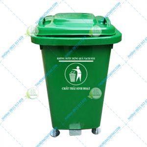 thùng rác y tế màu xanh