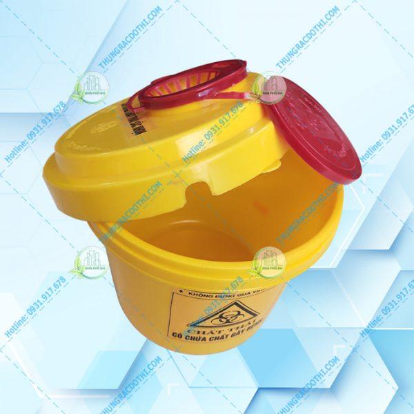 thùng đựng vật sắc nhọn