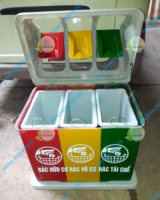 thùng rác công cộng nắp lật 3 ngăn