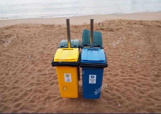 thùng rác bờ biển quảng trị