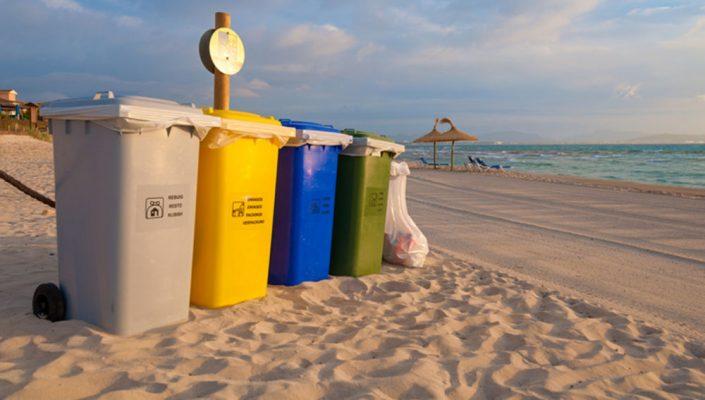 thùng đựng rác ven biển