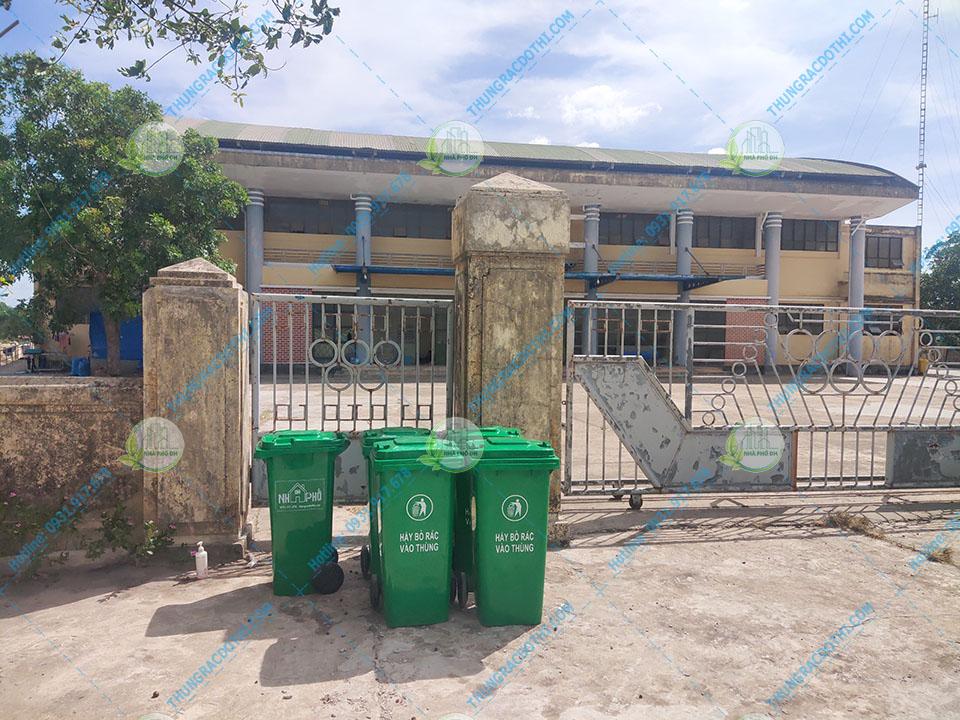 thùng rác y tế bệnh viện